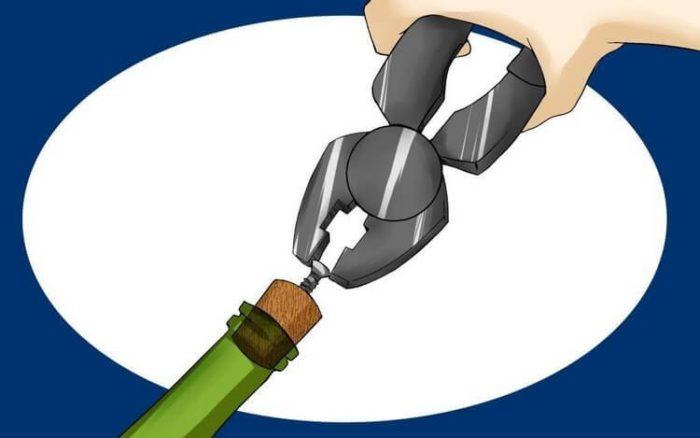 открываем бутылку саморезом