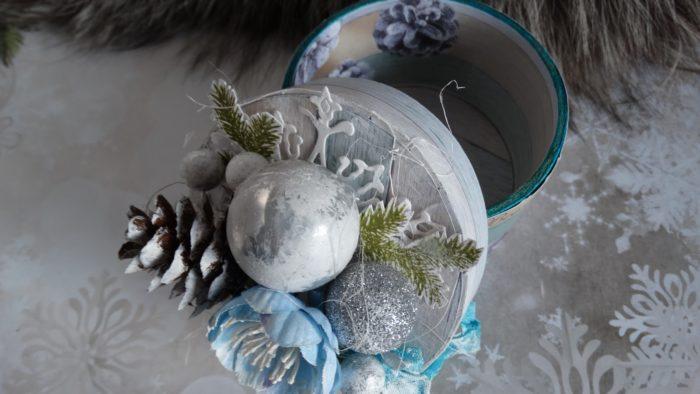 Новогодняя шкатулка из втулок от скотча