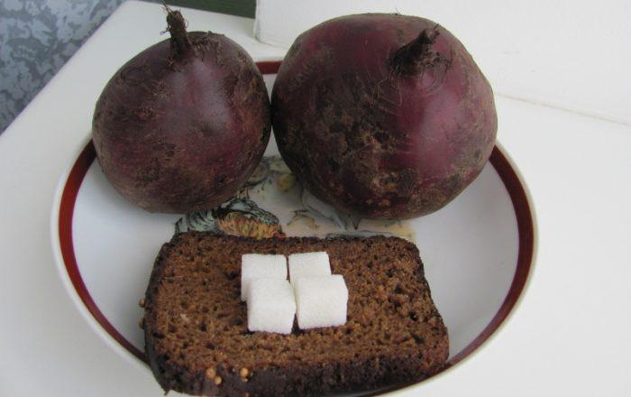 Квас из хлеба и свеклы