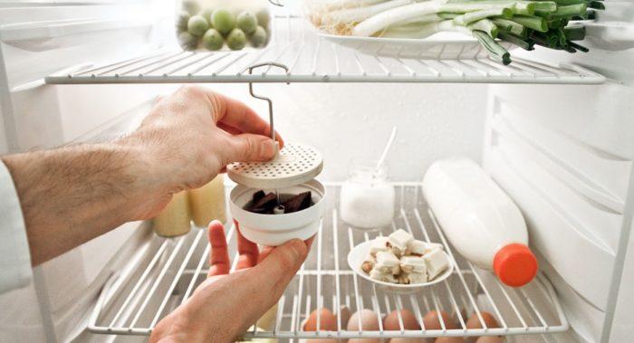активированный уголь от запаха в холодильнике