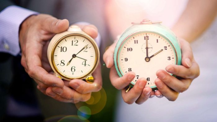 нельзя дарить часы близким