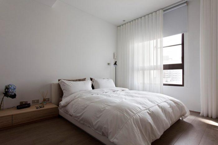 пустые стены в спальне