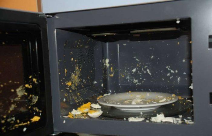Варим яйца в микроволновке