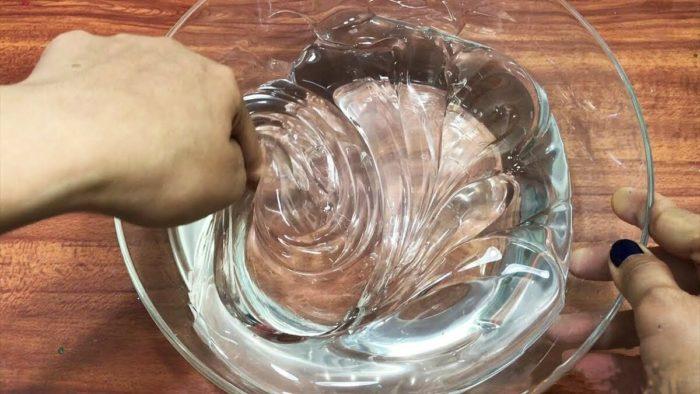 Бесцветный слайм из геля для стирки
