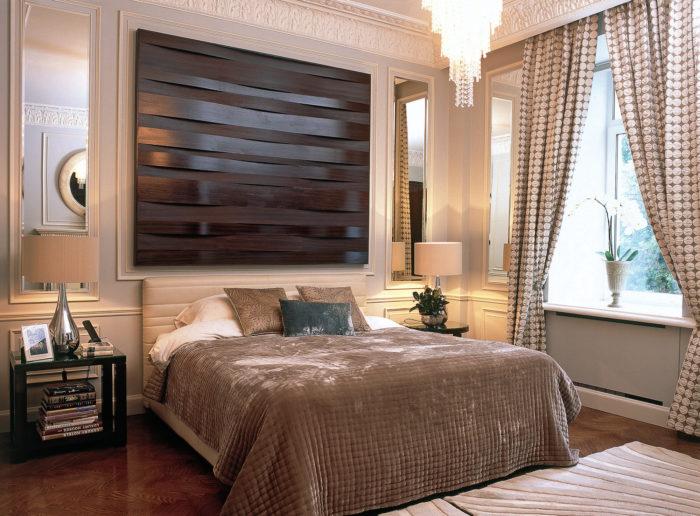 массивные конструкции в спальне