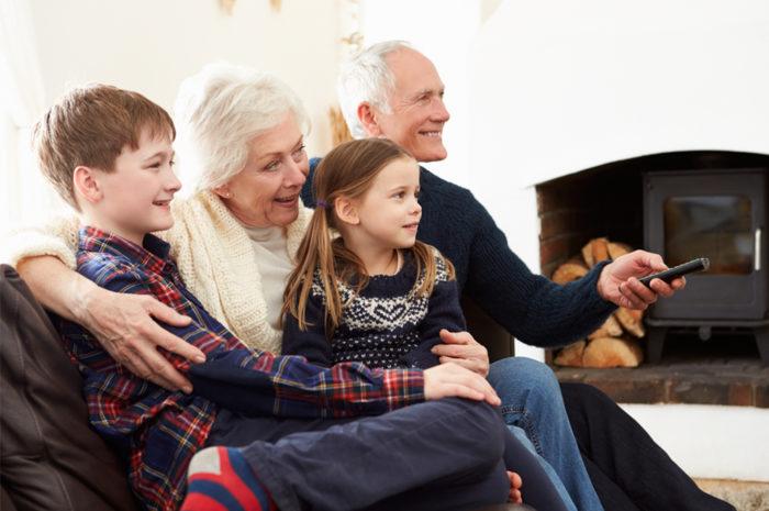 внуки много смотрят телевизор
