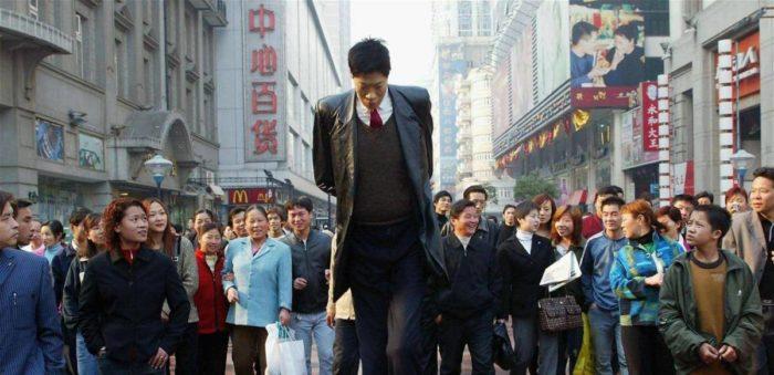 человек высокого роста