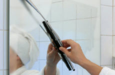 запотевшее зеркало в ванной